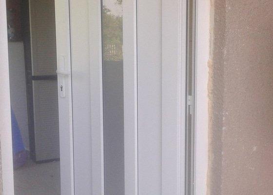 Výměna starých oken za plastová okna v RD