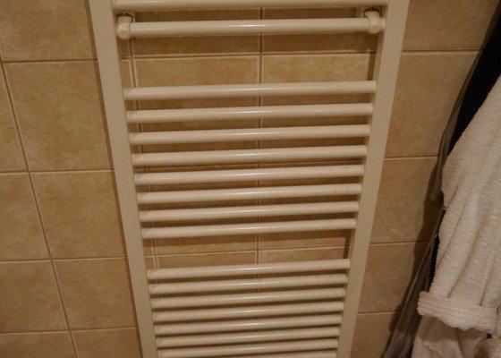 Výměna koupelnového radiátoru