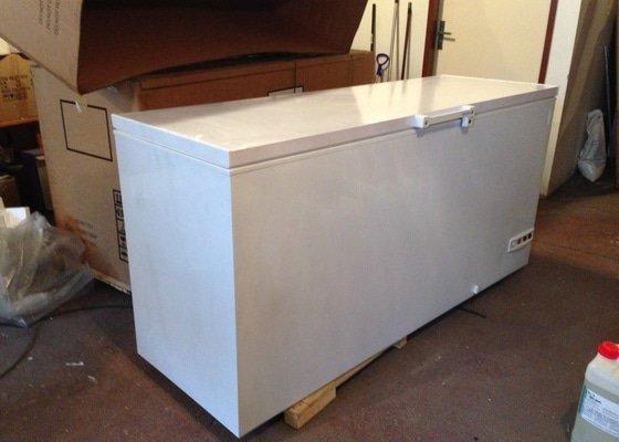 Polep boxu na suchý led