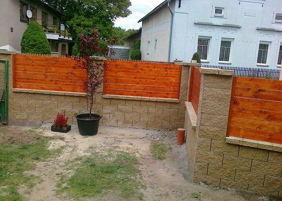 Dostavba plotu z KB bloku včetně posuvné samosnosné brány