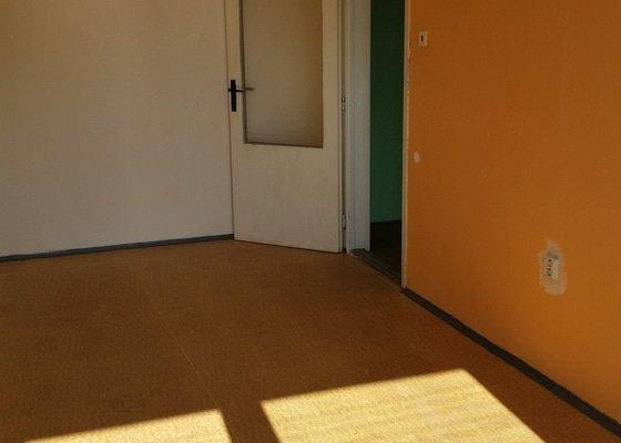 Štukování + malování bytu 1+1 o rozloze 40 m2 + následný úklid a možná výměna staré kuchyňské linky za novou (nová digestoř + nový plynový sporák + nová vodovodní baterie)