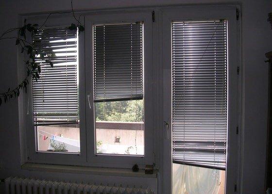 Žaluzie na tři okna