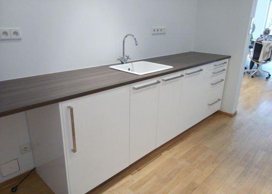 Smontování malé kuchyňské linky Ikea, Praha