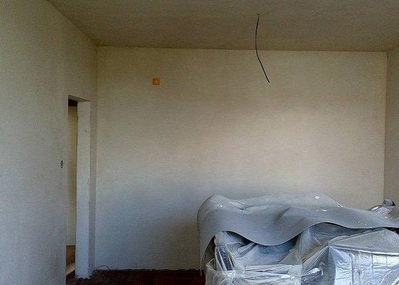 Úprava stěn po výměně elektro-rozvodů