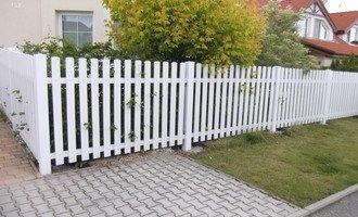 Dreveny plot sokl domu 015