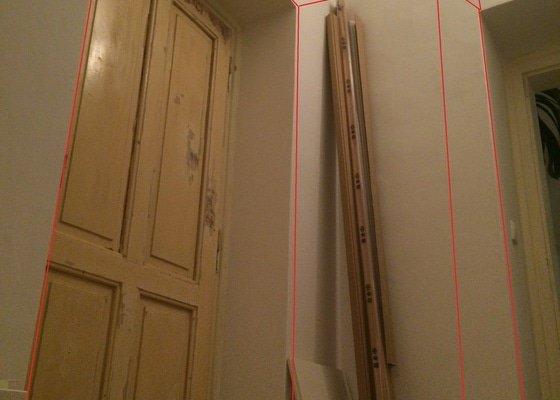 Vestavěné skříně - úložné prostory do chodby