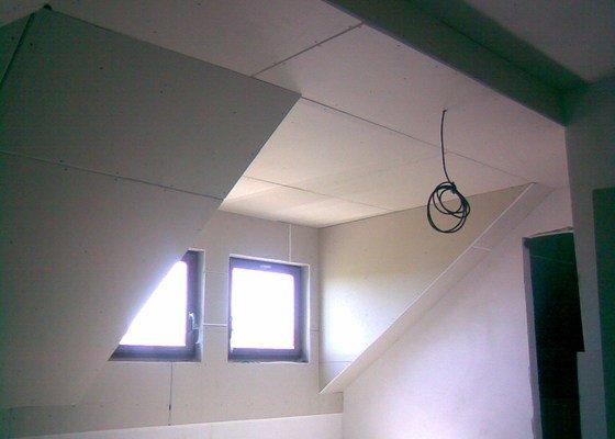 Montáž sádrokartonového podhledu v podkroví