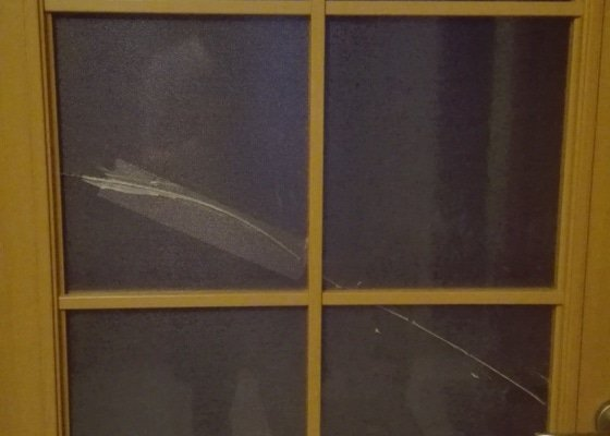 Oprava zasklení dveří
