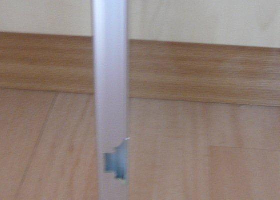 Výroba prosklených rámů dřevěných dvířek vitríny s panty