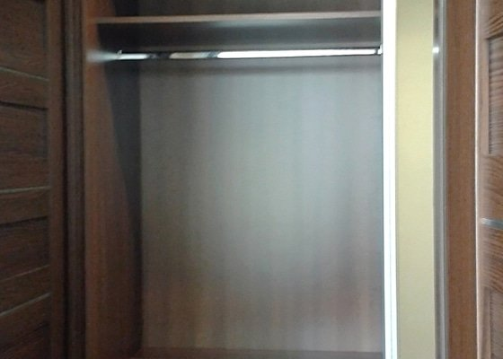 Zakázková výroba kuchyňské linky a vestavěných skříní.