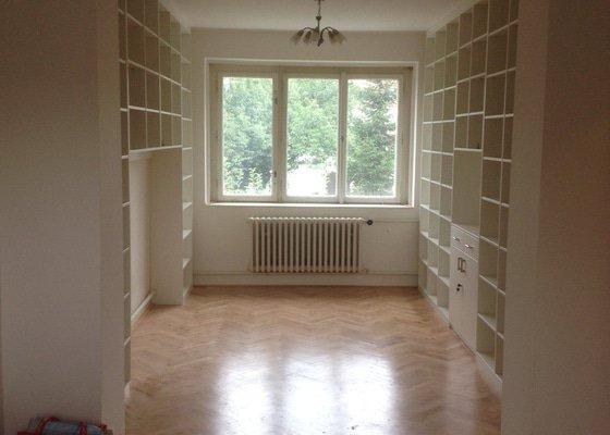 Knihovna na míru cca 24 m2