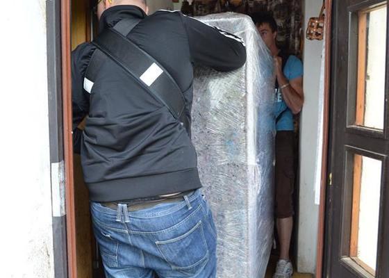 Stěhování plnopancířového piána