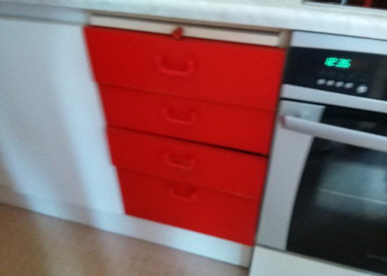 Výměna šuplíků v kuchynské skříňce