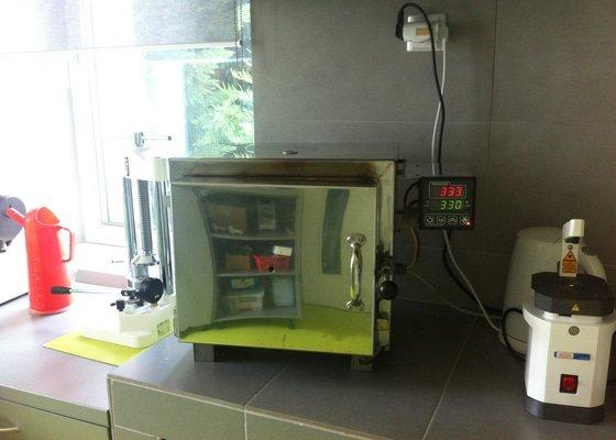 Oprava laboratorní pece LAC L 09