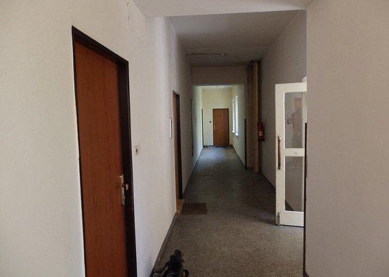 Malířské práce, 3 chodby a schodiště