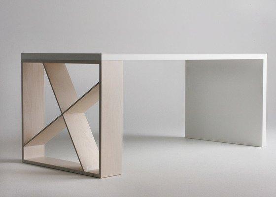 Stůl na míru
