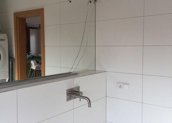 Obložení, oprava obkladu a spárování koupelny