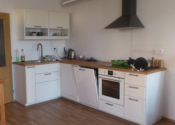 Montáž kuchyně Ikea, zakrytí digestoře SDK