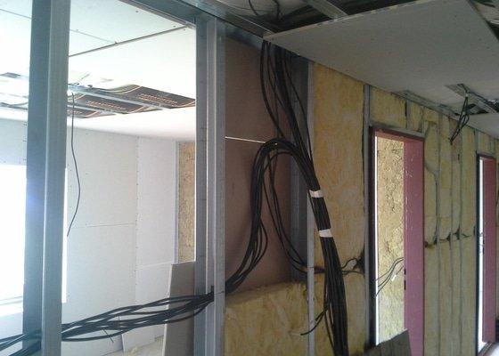 Elektroinstalační práce v půdní vestavbě RD