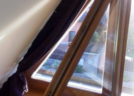 Vymena kovani na okne