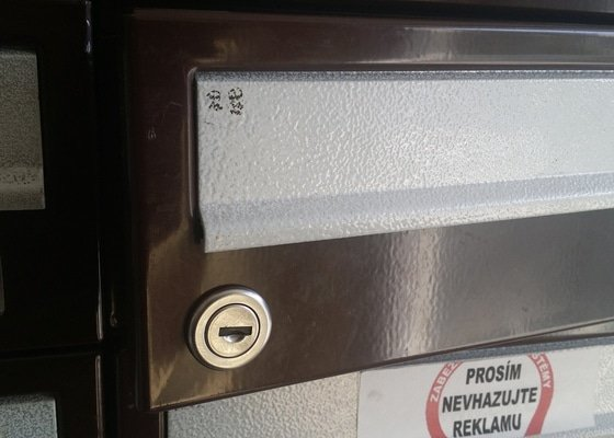 Výměna zámku poštovní schránky