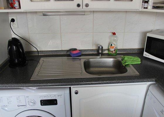 Potřebovali bychom vyměnit pracovní kuchyňskou desku