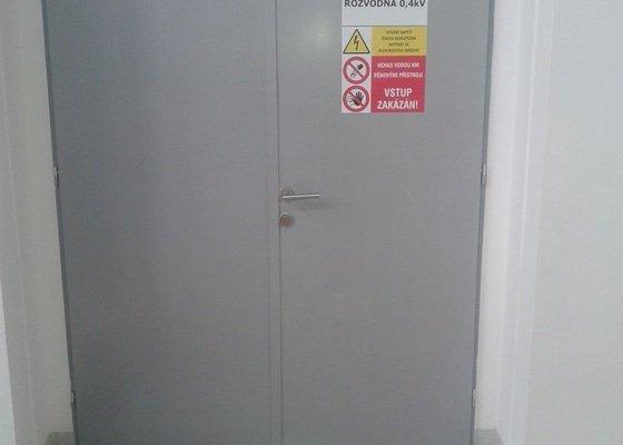 Zazdění zárubní dveří