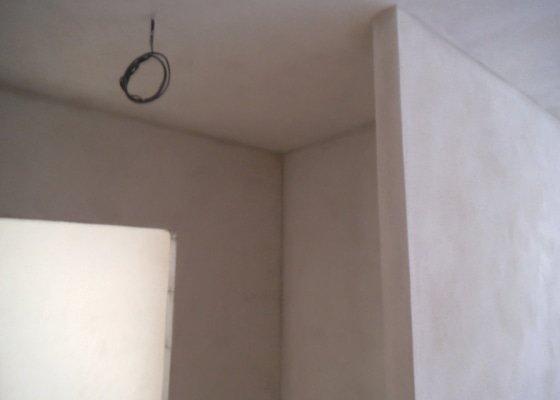 Štukování cca 170 m2 zdí včetně stropů