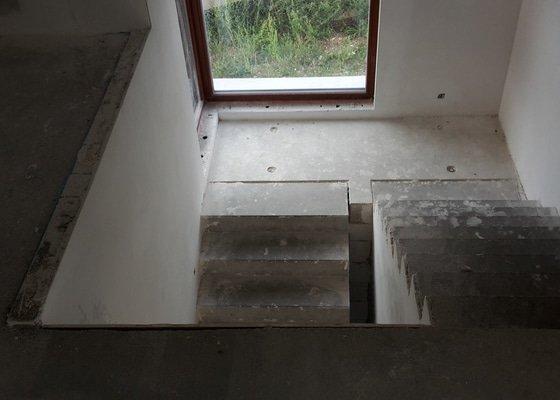 Truhlář - obklad schodiště