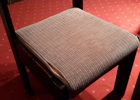 Čalounění jídelních židlí