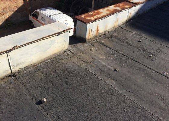 Oprava staré asfaltové střechy garáže - cca 100 m2 (7,8x13)