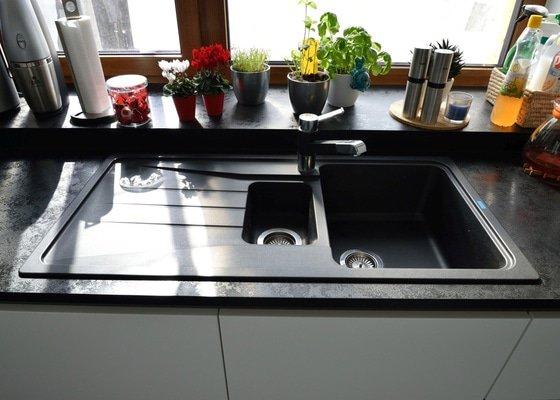 Ostrůvková kuchyně do rodinného domu v Hradci Králové