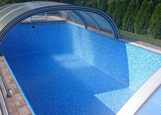 Rekonstrukce plastového bazénu