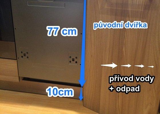 Zapojení vestavné myčky+osazení čela myčky deskou v dekoru kuchyně
