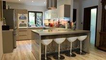 Kuchyně NOLTE Lava vysoký lesk s bílými spotřebiči