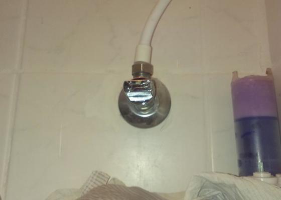 Oprava/výměna vodovodního kohoutku ve zdi