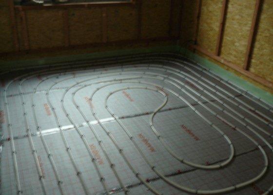 Tepelné čerpadlo s podlahovým vytápěním