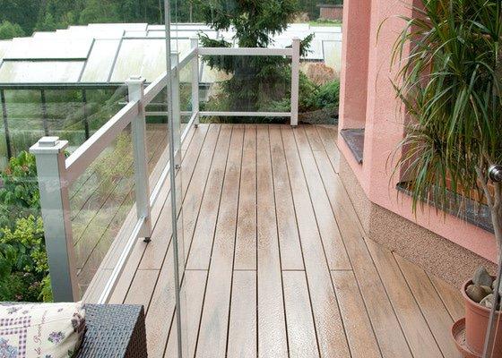 Atypické zastřešení s využitím balkónu