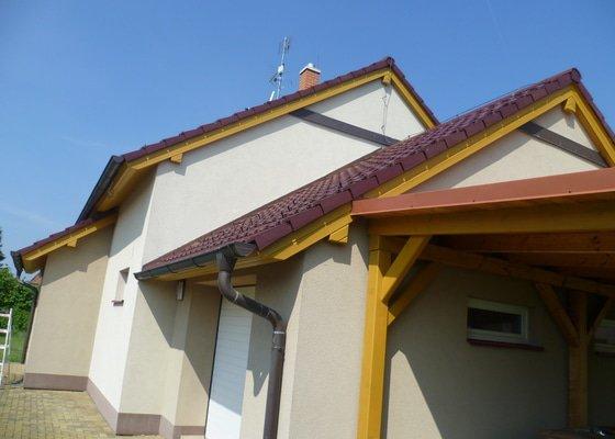 Obnova nátěru podbití střechy