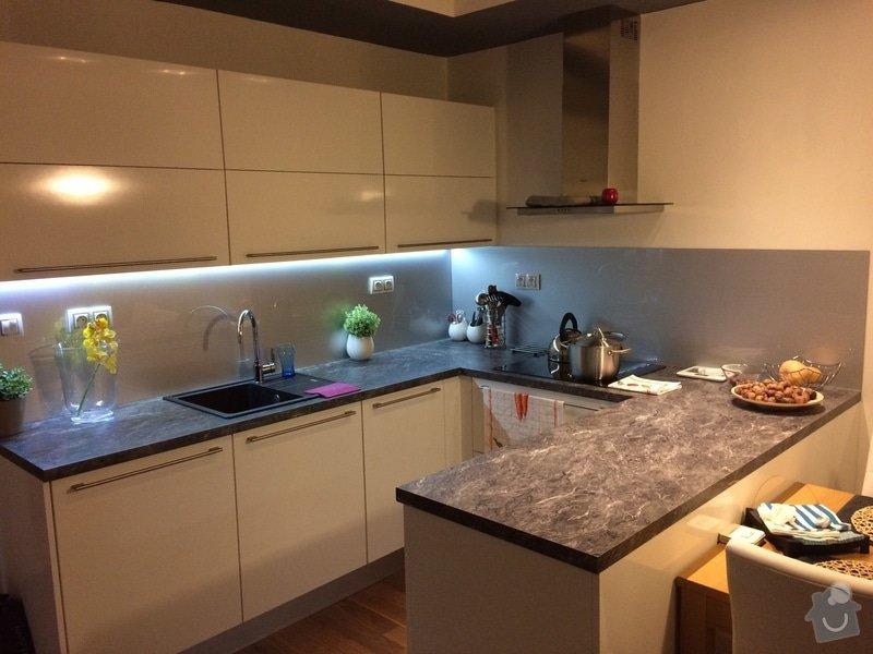 Skleněný obklad kuchyňské linky: IMG_0008