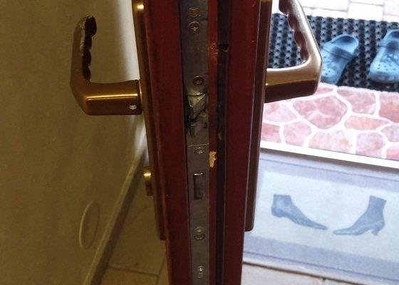 Výměna / oprava kování zámku vchodových dveří