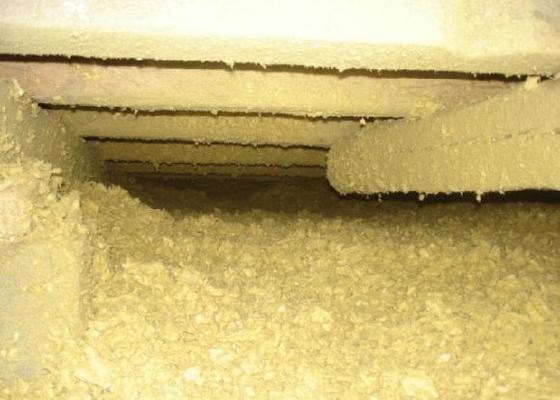 Foukané izolace , zateplení pultové sřechy