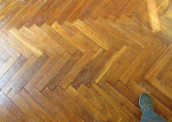 Renovace parket 3pokoje (46m2) prip. náhrada novým typem podlahy.