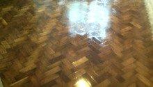 Pokládka podlahy, broušení parket