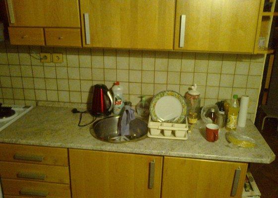 Instalace svítidla pod kuchyňskou linku