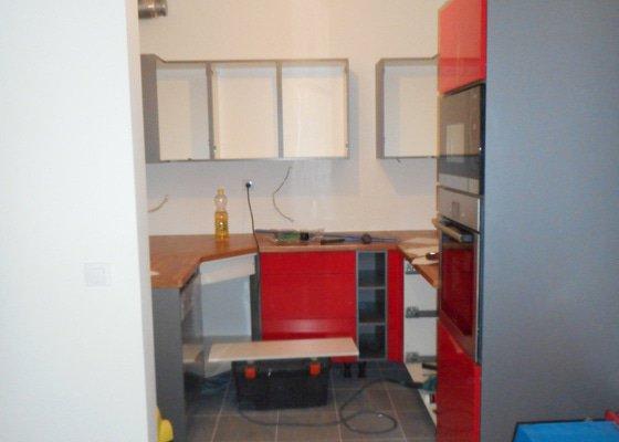 Kuchyň lamino lesk červená