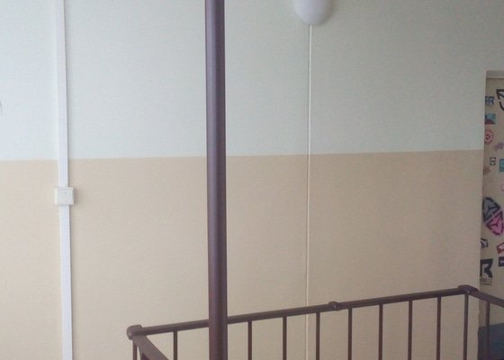 Instalace PIR čidel pro osvětlení v bytovém domě)