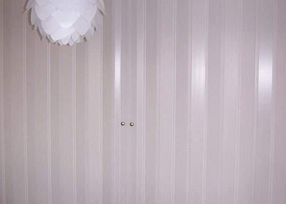 Shrnovací dveře + vanová zástěna