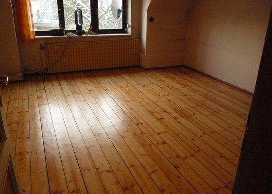 Broušení dřevěné podlahy (prkna) cca 40m2