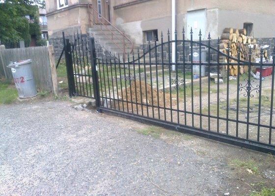 Oplocení + brána